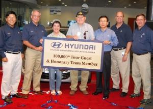 100000th-tour-guest-group-b