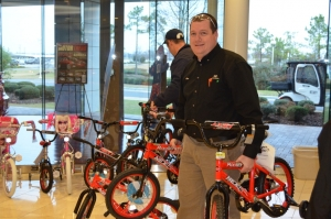 toys-for-tots-2012-006