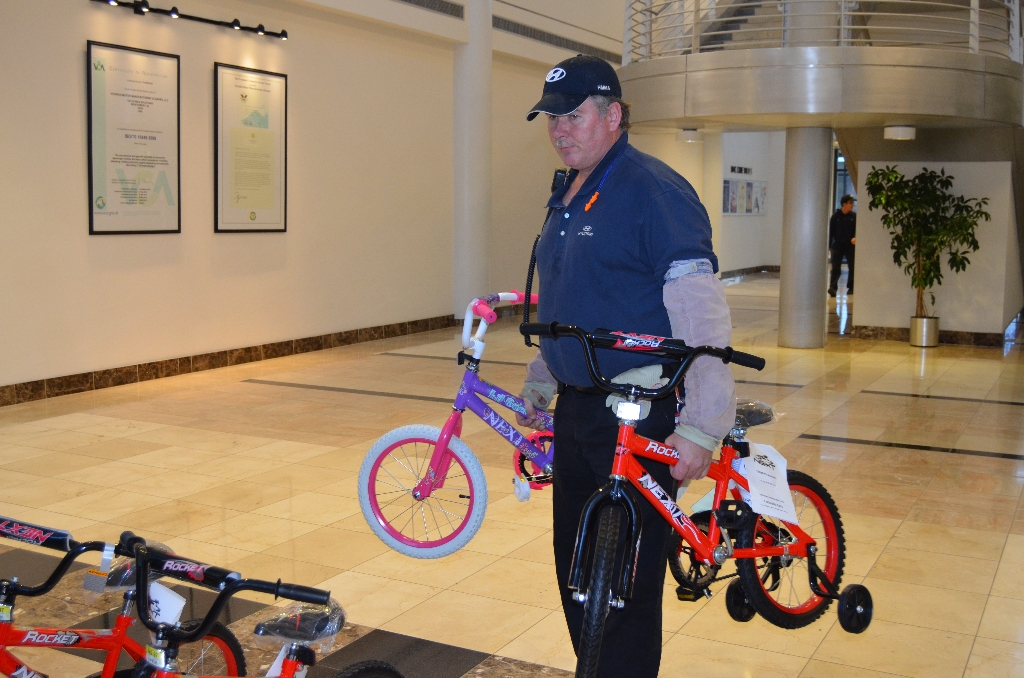 toys-for-tots-2012-008