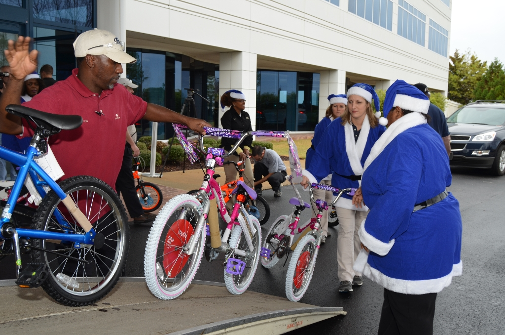 Marines Toys For Tots 2012 : Hmma toys for tots drive hyundai motor