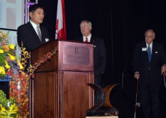 jh-kim-at-podium