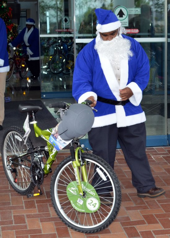 2011-toys-for-tots_5