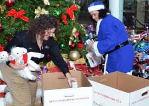 2011-toys-for-tots_3