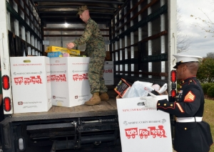2011-toys-for-tots_8