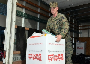 2011-toys-for-tots_9